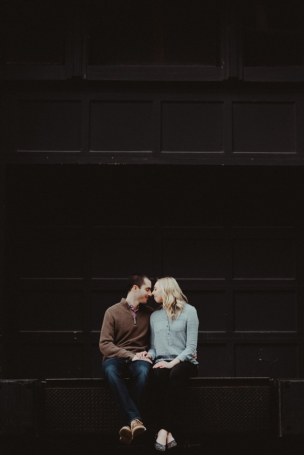 third ward milwaukee engagement session green bay wisconsin wedding photographer carlee secor