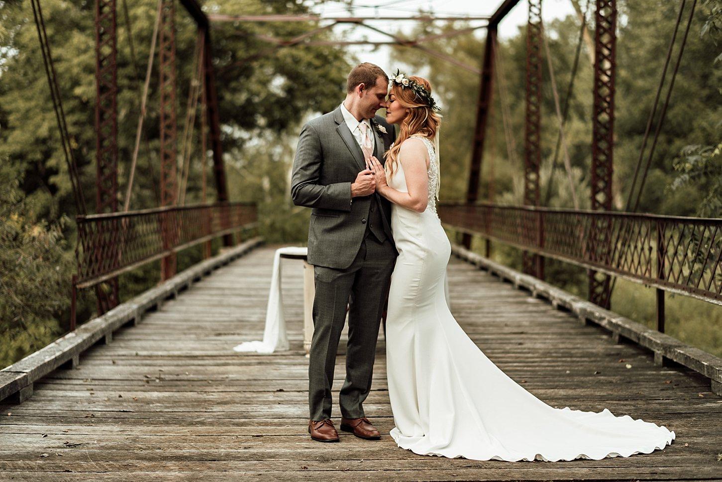 Givens farm hortonville green bay photographer carlee secor wedding photography boho
