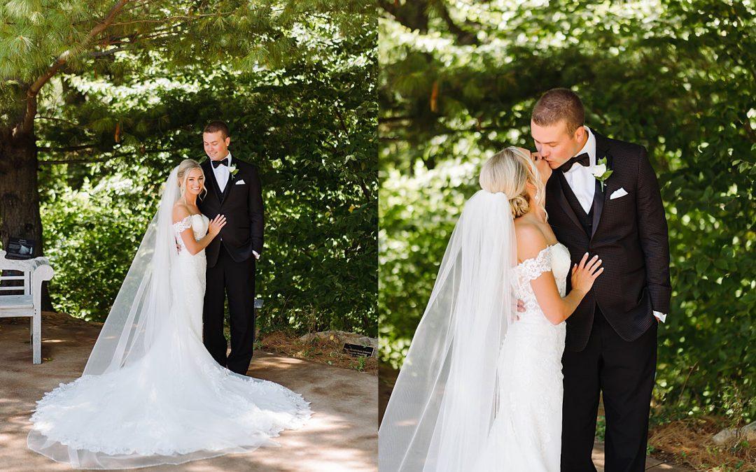 Modern Summer Wedding – Botanical Gardens Green Bay, Wisconsin