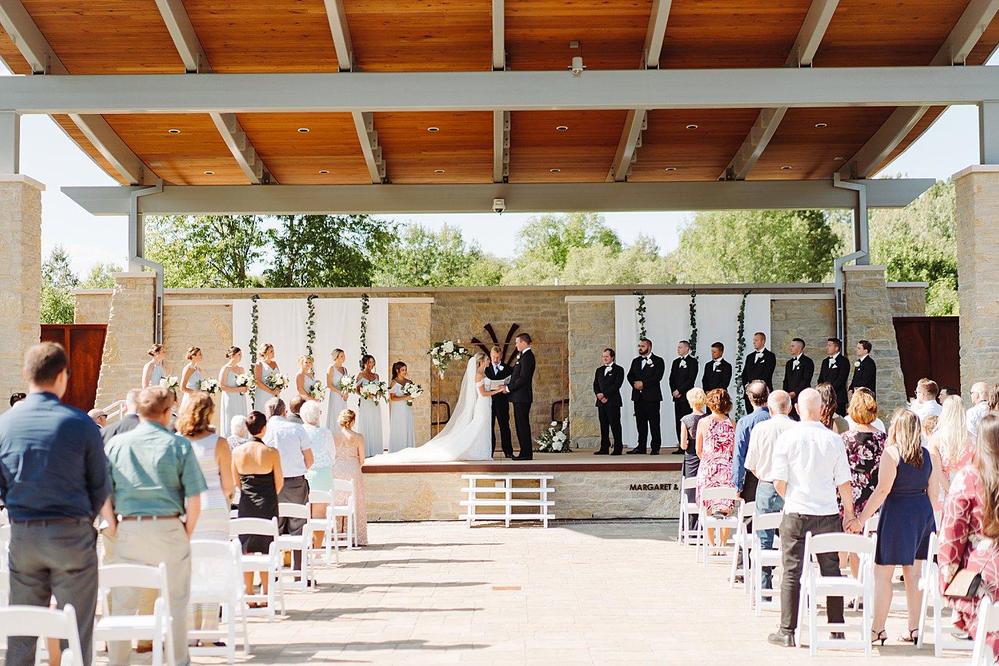 green bay wedding photographer carlee secor modern summer wedding